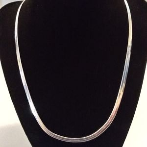 18kt white gf herringbone necklace